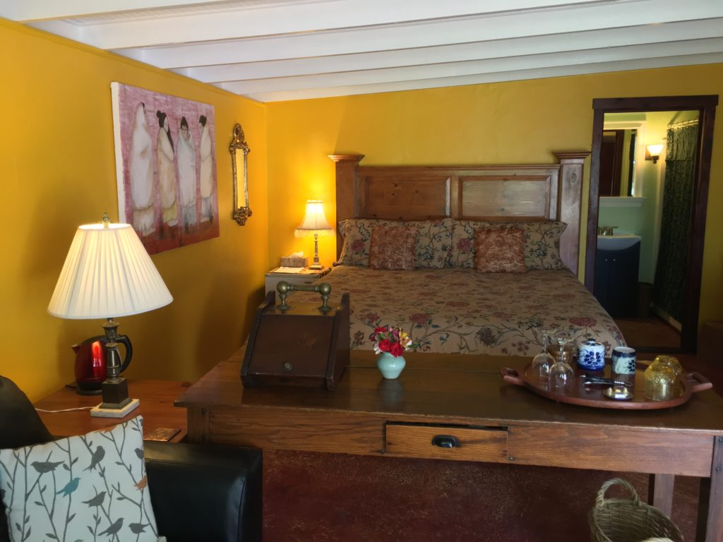Orchard Room Queen bed